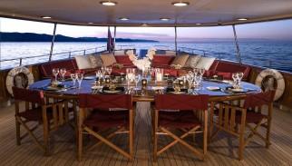 Yacht Amphitrite | Vajoliroja